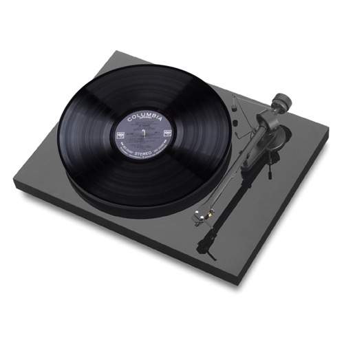 Pro-Ject - Debut III Piano Black Turntable **DEMO** DEMO_APJTTD3PNO